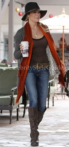 LeAnn Rimes is super stylish in the Rag & Bone/JEAN Skinny Jeans while doing some holiday shopping on Sunday December 11, 2011