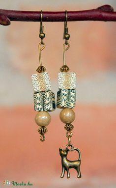 Natúr színekkel harmonizáló cicás fülbevaló, Ékszer, óra, Fülbevaló, Ékszerkészítés, Meska Drop Earrings, Jewelry, Jewlery, Bijoux, Schmuck, Drop Earring, Jewerly, Jewels, Jewelery