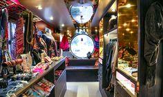 Mobile fashion trucks, the latest US shopping sensation