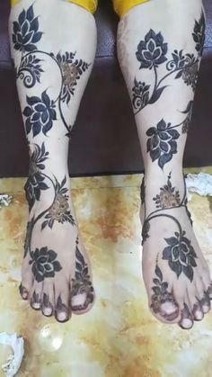 Peacock Mehndi Designs, Legs Mehndi Design, Modern Mehndi Designs, Mehndi Design Pictures, Wedding Mehndi Designs, Dulhan Mehndi Designs, Beautiful Henna Designs, Latest Mehndi Designs, Mehndi Designs For Hands