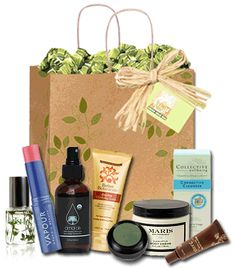 OMG! So obsessed with right now: Eco Emi monthly lifestyle subscription. Includes home, beauty, and bath products. Oh, and food! ^^