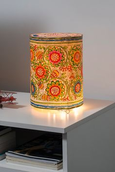 Creative Lampshades to add color to your bedroom. Table Lamps for Living Room. Diwali Lantern, Diwali Lamps, Diwali Lights, Diwali Diy, Diwali Party, Diwali Decoration Lights, Diwali Decorations At Home, Kalamkari Painting, Madhubani Painting
