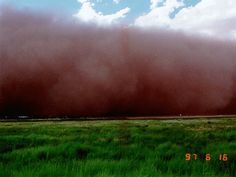 Dust storm approaching Big Spring, Texas on 16 June 1997.