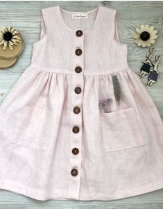 Girls Frock Design, Baby Dress Design, Baby Girl Dress Patterns, Baby Frocks Designs, Kids Frocks Design, Baby Girl Party Dresses, Little Girl Dresses, Kids Dress Wear, Dress Girl