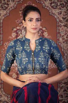 Collar neck saree blouse #collarneck #fullcollarblouse #chinesecollarblouse #highneckblouse #designerblouse #trendysareeblouse #contemporaryIndian #wishcraftbyvishakha