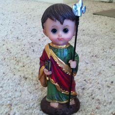 Lindo de viver meu Baby Sao Judas, presente da amiga, parceira, querida @minhalmacanta ja esta na sala da Burton para abencoar meu Lar doce Lar!