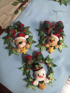 Christmas Craft Projects, Polymer Clay Christmas, Polymer Clay Crafts, Holiday Crafts, Noel Christmas, Diy Christmas Ornaments, Christmas Wreaths, Christmas Decorations, Clay Fairy House