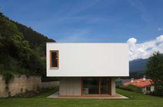 Two in one house / Triendl und fessler architekten