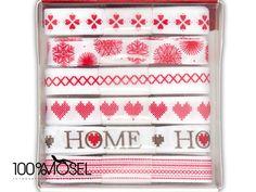 Tolles Bänder-Set von Papermania Home for Christmas: 1m Ribbon (6pcs)  Das Set enthält 6 verschiedene Bänder in 10 mm Breite.  Die Bänder sind mit Mustern in rot auf weiß im nordischen Look...