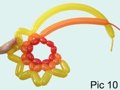 How to make balloon animals using modeling balloons and balloon twisting techniques. Balloon Hat, Balloon Flowers, Ballon Animals, How To Make Balloon, Fireworks Festival, Party Hacks, Blog Design, Balloon Decorations, Face Art