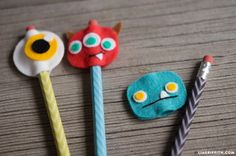 Our back to school felt pencil toppers feature cute monsters and kitty cat designs that you can craft with your kids before the school year starts! Foam Crafts, Diy And Crafts, Diy For Kids, Crafts For Kids, Pen Toppers, Felt Finger Puppets, Fair Projects, School Projects, Cute Monsters