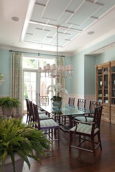 House of Turquoise: Kahn Design Group | dining room