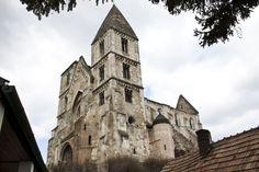 Zsámbék romtemplom  Fotó: Nász Nikolett  Monastic Church of Zsambek Photo: Nikolett Nász Notre Dame, Building, Travel, Viajes, Buildings, Destinations, Traveling, Trips, Construction