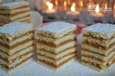 Ugye nem kell bemutatnom ezt a süteményt, amit legfőképp az ünnepekkor, azon belül is leginkább a lakodalmakkor sütöttek a falusi asszonyok. Én még fiatal lánykoromban,… Hungarian Cake, Hungarian Recipes, Hungarian Food, Ital Food, Party Finger Foods, Vanilla Cake, Sweet Treats, Food And Drink, Favorite Recipes