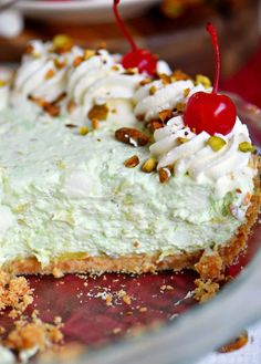 This easy Pistachio Pie recipe is a going to be hit with friends and family this holiday season! Creamy and delicious!