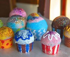 I LOVE these cupcakes out of polystyrene balls and paper cups. Would require at least 2 class periods.