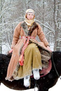 "Costume Eastern Slavs: Severyani, 11 се. Фотографии МИКО ""Святогор"" г. Пенза…"
