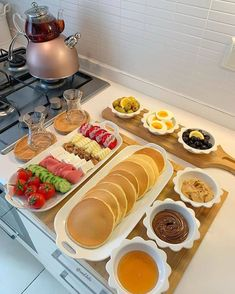 """""""going to spoil my husband and myself with delicious breakfast in the mornings 🥺🥰"""" Think Food, Love Food, Breakfast Platter, Breakfast Buffet, Brunch Buffet, Tasty, Yummy Food, Healthy Food, Food Displays"""
