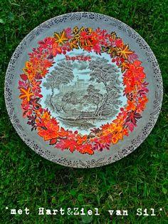 ~Vintage bord versierd met porselein-verf door mijzelf~