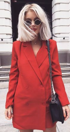 cool outfit idea : red blazer dress and black bag