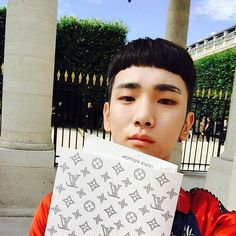 Ahhh, the new haircut . . . Kibum