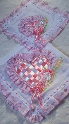 Ribbon Flowers On Lace Fabric Silk Ribbon Embroidery, Embroidery Stitches, Embroidery Patterns, Hand Embroidery, Ribbon Art, Ribbon Crafts, Flower Crafts, Lace Fabric, Fabric Flowers