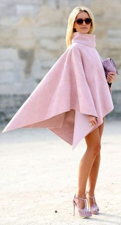 Pin for Later: The Best of Paris Fashion Week Street Style (Updated!) PFW Street Style Day 6 A cape that's all edge in a totally feminine color. Fashion Week, Look Fashion, High Fashion, Autumn Fashion, Womens Fashion, Fashion Trends, Fashion 2015, Fashion Spring, Fashion Bloggers