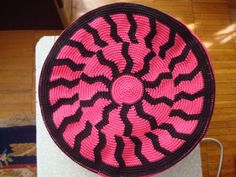 Crochet Clutch, Crochet Handbags, Crochet Purses, Crochet Doilies, Mochila Crochet, Tapestry Crochet Patterns, Tapestry Bag, Weaving Art, Crochet Chart