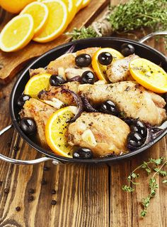 Chicken with oranges and olives in a frying panChicken with oranges and olives in a frying pan How To Cook Chicken, Paella, Crockpot, Slow Cooker, Fries, Cooking, Ethnic Recipes, Minimum, Food
