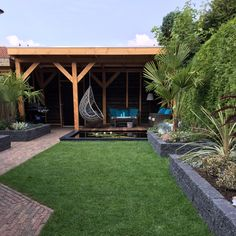 Garden bulbs – Great Guide On How To Go About Landscaping - New ideas Back Garden Landscaping, Backyard Patio Designs, Garden Pavilion, Terrace Garden, Back Gardens, Outdoor Gardens, Back Garden Design, Garden Bulbs, Garden Inspiration