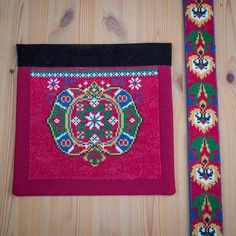 Bunad og Stakkastovo AS Bead Crochet Rope, Cute Designs, Beads, Rugs, Sewing, Beadwork, How To Make, Crafts, Magic