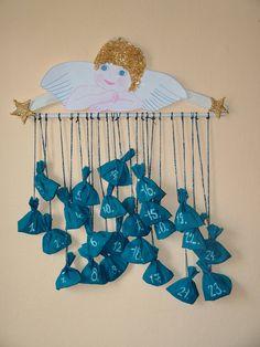 Adventní kalendář pro děti - Vánoční speciál - celý návod - MojeDílo.cz Christmas Art, Christmas Wreaths, Christmas Ornaments, Christmas Ideas, Diy For Kids, Crafts For Kids, Red Sangria Recipes, Diy And Crafts, Arts And Crafts