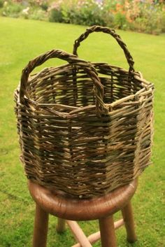 The Homestead Survival | How to Weave a Bramble Willow Basket | DIY Project & Laundry Basket http://thehomesteadsurvival.com