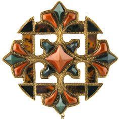 Bold and Smart Victorian Scottish  15K, Agate Celtic Pin/Pendant.Scotland