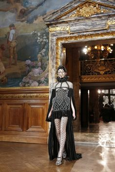 This McQueen outfit. | 12 Reasons The World's Most Uncomfortable Clothes Are TheBest