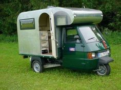If I could get the back more rounded, like an Avion truck camper or an Airstream, I would be cooking with petrol. Maybe even beef up the tires. Camper Caravan, Truck Camper, Camper Trailers, Mini Camper, Camping Car Rapido, Camping Car Integral, Materiel Camping, Vespa Ape, Kombi Home