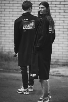 The Classy Issue Streetwear Brands, Streetwear Fashion, Mode Masculine, Style Photoshoot, Young Fashion, Urban Fashion, Street Style Women, Alternative Fashion, Outfits