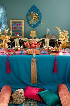 Henna themed dessert table by Petit gateau Moroccan Theme Party, Indian Party, Moroccan Decor, Bar Mitzvah Party, Bat Mitzvah, Diwali Decorations, Table Decorations, Mehndi Party, Mehendi