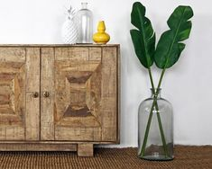 In a farmhouse design, the side table seems to have important roles that are unreplaceable. The farmhouse side table is Tropical Bedrooms, Tropical Home Decor, Tropical Interior, Tropical Houses, Tropical Furniture, Tropical Colors, Tropical Style, Tropical Design, Retro Home Decor