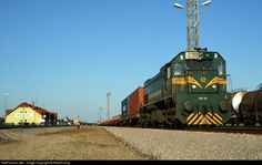 RailPictures.Net Photo: 101 Slovenske Zeleznice(SZ) EMD G26 at Hodos, Slovenia by Róbert Gray