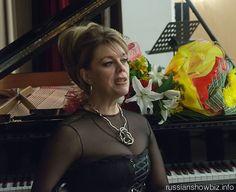"""El Ministerio de Relaciones Exteriores de Azerbaiyán ha declarado """"persona no grata"""" y puesto en una lista negra a Ljuba Kazarnovskaya, la famosa cantante de ópera rusa, tras su recientemente viaje a Nagorno Karabaj."""