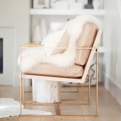 Chairs are our thing lately. Chair Game, we call it. This one leads the pack ⭐️