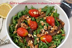 Salat s karamelizovanymi hruskami a pecenymi rajcinami