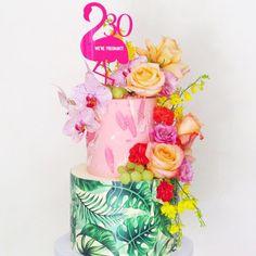 Hawaii Birthday Cake, Hawaii Cake, 60th Birthday Cakes, Birthday Cake Girls, 9th Birthday, Flamingo Cake, Flamingo Birthday, Flamingo Party, Luau Cakes