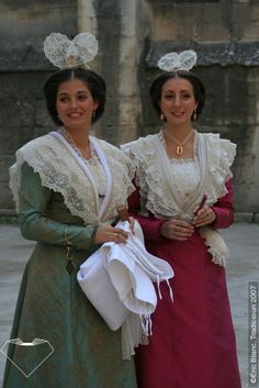 FolkCostume&Embroidery: Woman's costume of Arles, Provence, France
