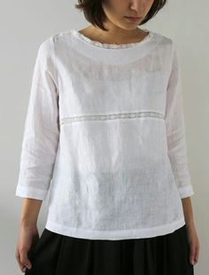 Womens Fashion - Lucia - LisetteNew - Envelope is a unique online shopping mall made up of a few independent shops from all around Japan. Blouse Styles, Blouse Designs, Boho Fashion, Womens Fashion, Fashion Design, Mode Top, Linen Blouse, Linen Tunic, Schneider