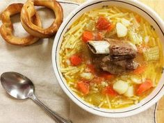 bollito-brodo-di-carne-meat-soup - We've uncovered the best brodo recipes that are so easy to make in your own home. They taste amazing and you won't believe how... Best Pasta Recipes, Best Italian Recipes, Cooking Recipes, Favorite Recipes, Dinner Recipes, Soup Recipes, Dinner Ideas, Chowder Recipes, Copycat Recipes