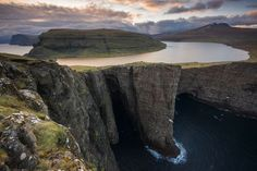 faroe islands lake sorvagsvatn