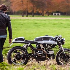 A design upgrade for a dated Ducati. The @wimoto 900SS Cafe Racer from the Netherlands.  #caferacer #caferacers #caferacersofinstagram #caferacersculture #caferacerbuilds #vintage #vintagestyle #vintagefashion #motocycle #moto #motos #motorcycles #oldstyle #oldschool #bratstyle #motorbike #motor #helmet #ducati by caferacersculture http://ift.tt/20QUK0W