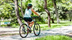 Biking to Lose Weight: Cycling Tips for Weight Loss Harvard Health, Join A Gym, Endurance Training, Indoor Cycling, Cycling Tips, Aerobics, Hiit, Body Weight, Weight Loss Tips